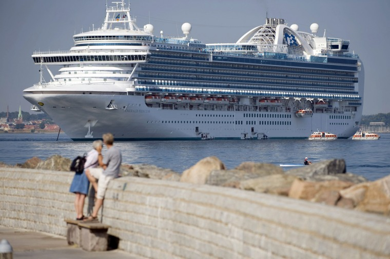 Image: Bermudan cruise ship Emerald Princess anchors in Helsingborg harbor