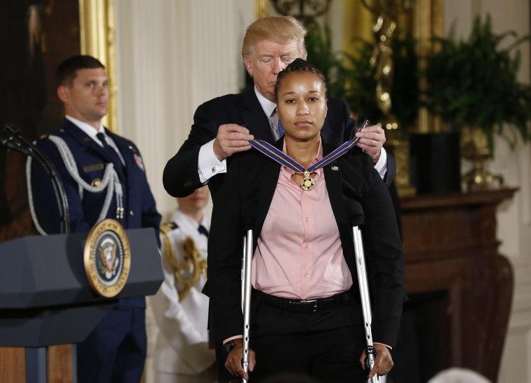 Image: President Trump awards the Medal of Valor to U.S. Capitol Police Officer Griner