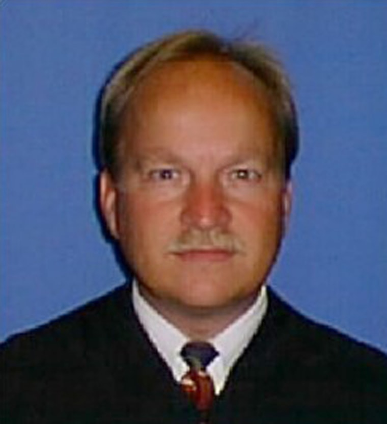 Tennessee judge who offered sentence reductions for vasectomies image tennessee judge sam benningfield solutioingenieria Gallery