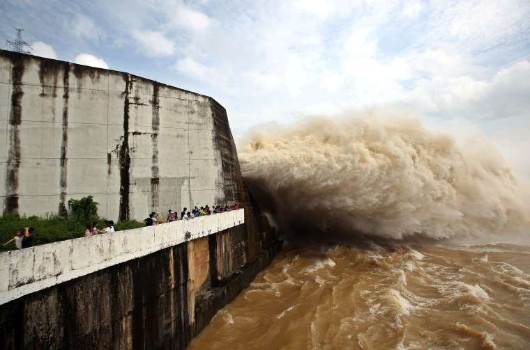 Image: Hoa Binh hydroelectric power plant releases water after heavy rainfall from Talas tropical storm