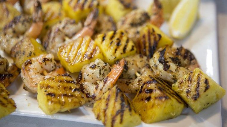 CAMILA ALVES SHRIMP: Camila Alves' Grilled Garlic Lemon Shimp with Pineapple