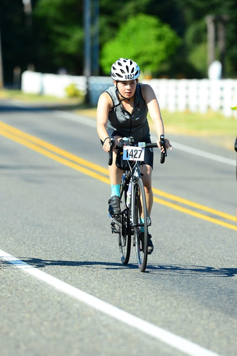 In the middle of a 205-mile bike race, Madeline Dahl administered CPR to a man in distress.