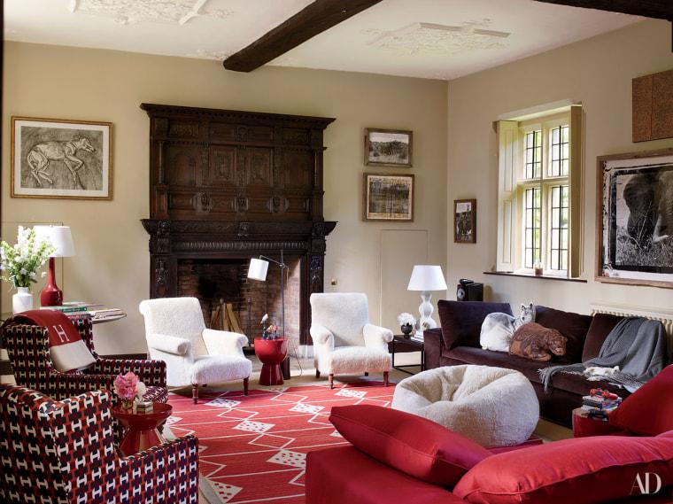 Pops of red make for lively living room decor.