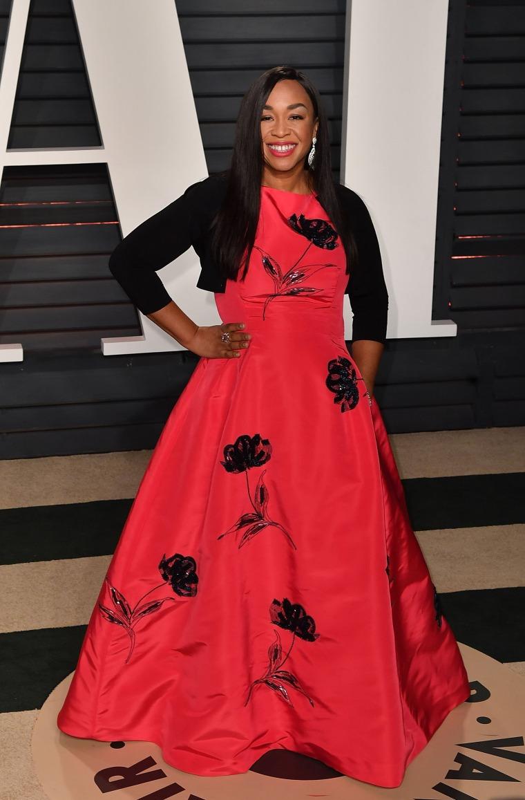 Image: 2017 Vanity Fair Oscar Party Hosted By Graydon Carter - Arrivals, Shonda Rhimes