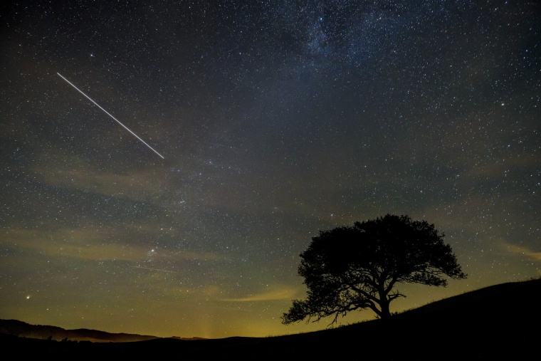 Image: International Space Station (ISS) draws a line across the night sky