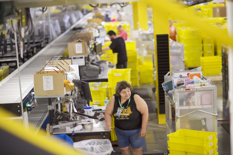 Image: Amazon Hosts Jobs Day Across US To Hire 50,000 For Its Fulfillment Centers