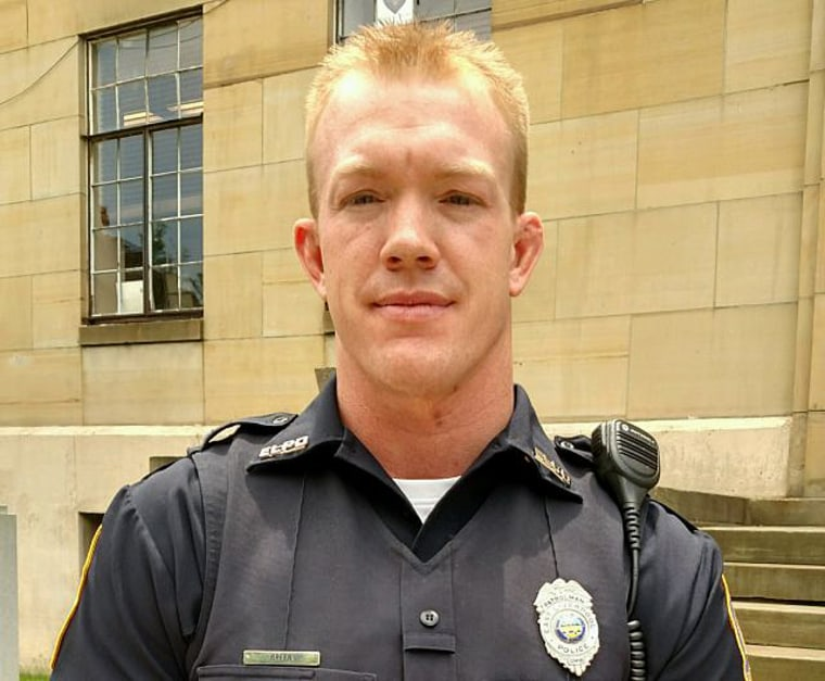 Image: Officer Chris Green of the East Liverpool PD