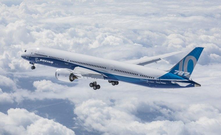 Image: A Boeing 787-10 dreamliner