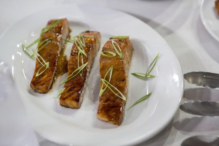 Lucinda Scala Quinn makes grilled teriyaki salmon.