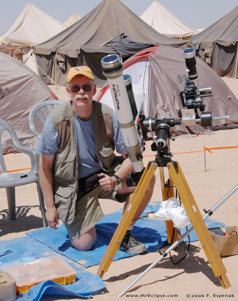 Fred Espenak with telescopes before the total solar eclipse of 2006 in Jalu, Libya.