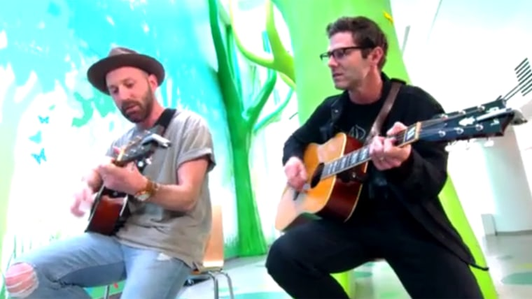 Hoda's summer of yes with singer Mat Kearney.