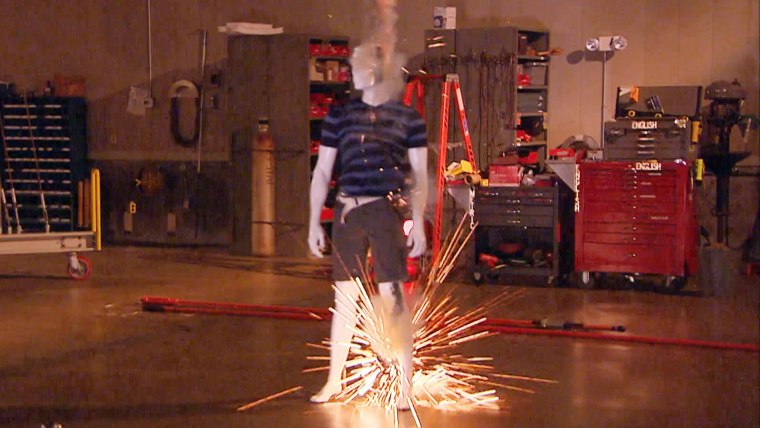 Jeff Rossen visits the BPA Lab in Vancouver, Washington, which simulates lightning.