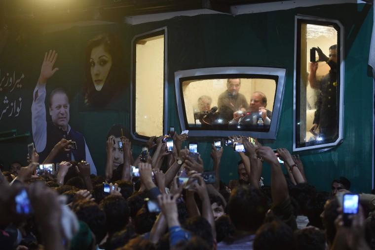 Image: TOPSHOT-PAKISTANI-POLITICS-SHARIF
