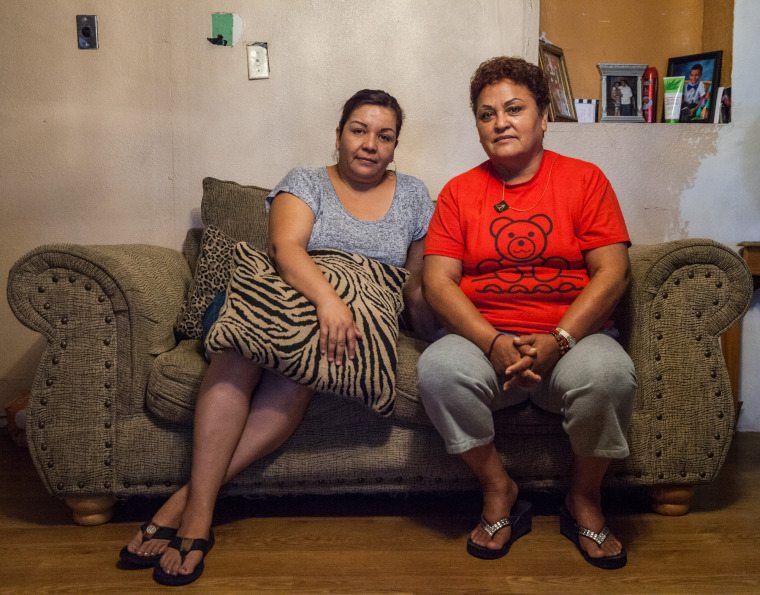 Image: Lorena Hernandez, Rosa Maria Pe?a, Texas residents