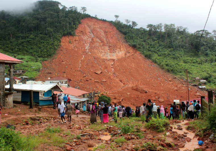 Image: Mudslide kills hundreds in Sierra Leone