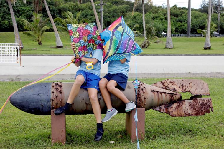 Image: Pupils at Asan Memorial Park