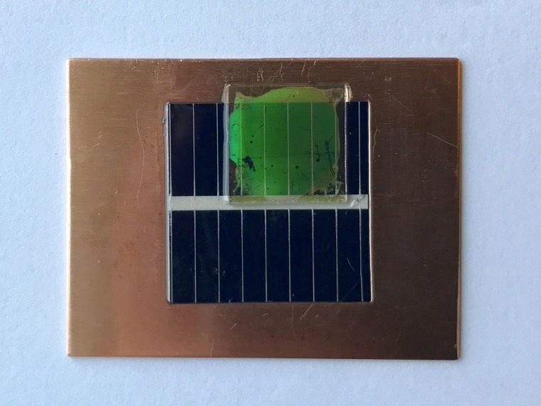 """The """"nanopatterned"""" panel appears green independent of the angle at which it's viewed."""