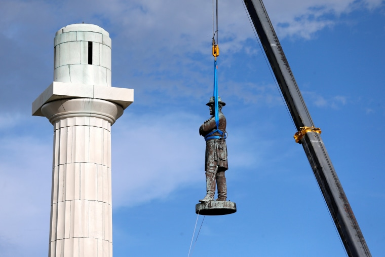 Image: Removal of Confederate Statues