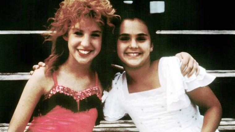 mayim bialik and marcie leeds on the set of beaches.