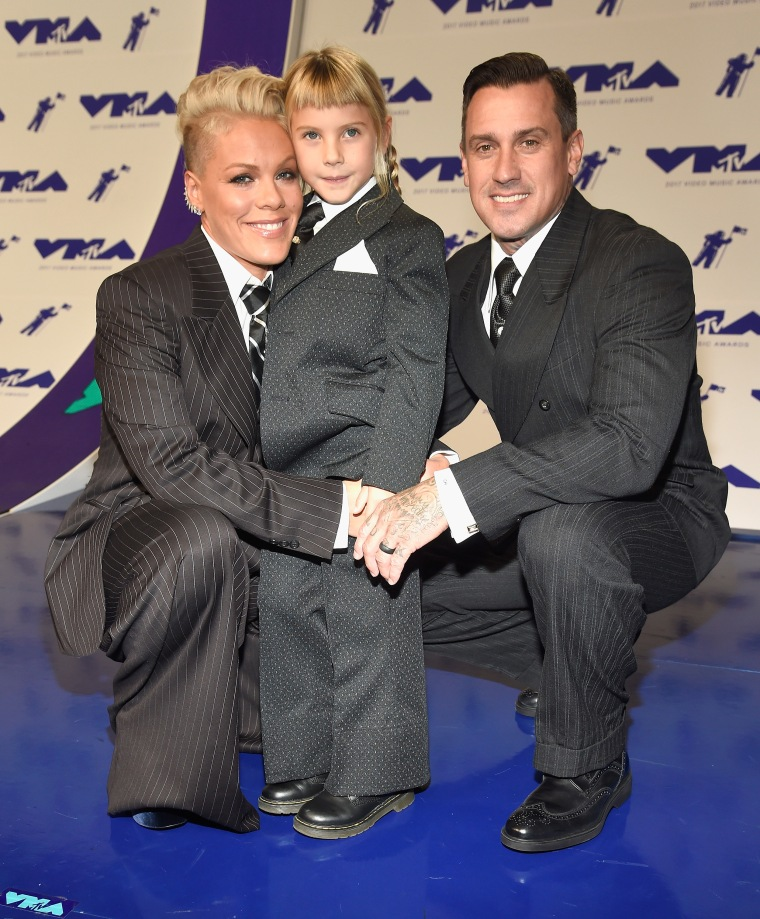 Pink and her family at 2017 MTV Video Music Awards