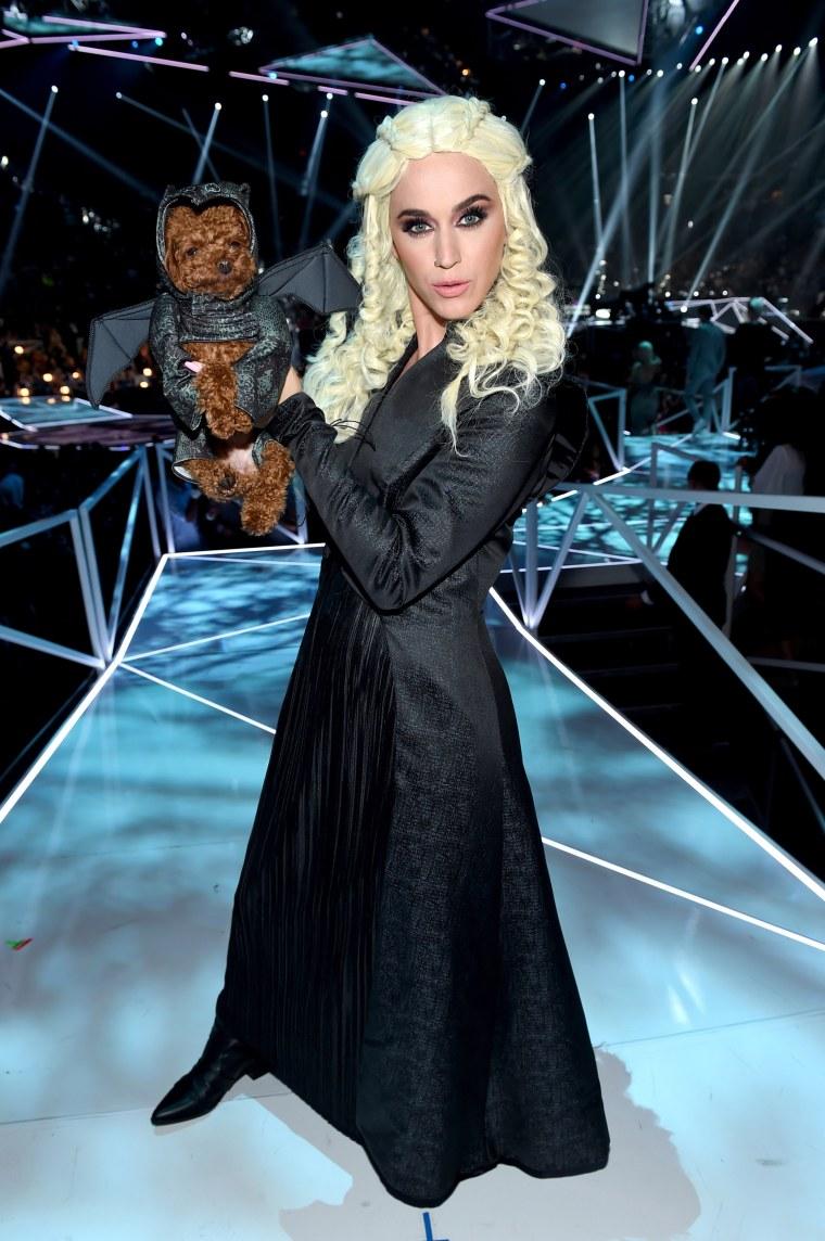 2017 MTV Video Music Awards - Backstage