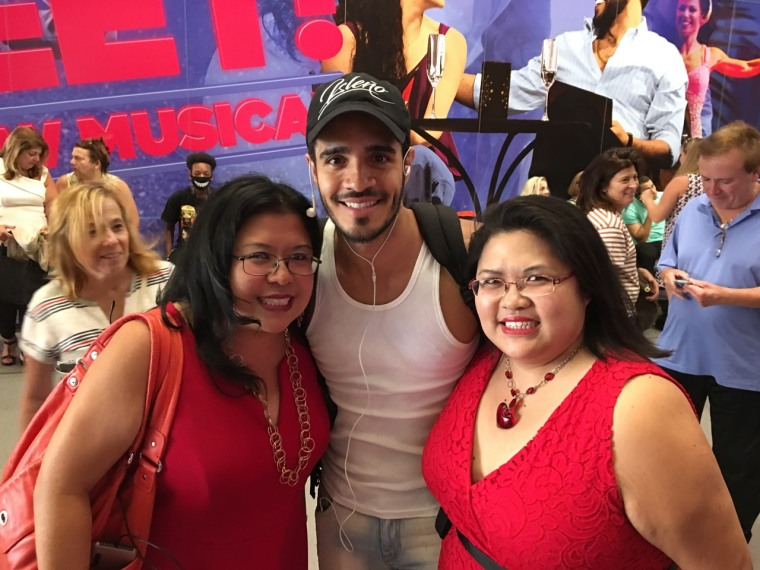 Suzette (left) and Sheryle Samson pose with actor Ektor Rivera of 'On Your Feet' before his final Broadway performance.