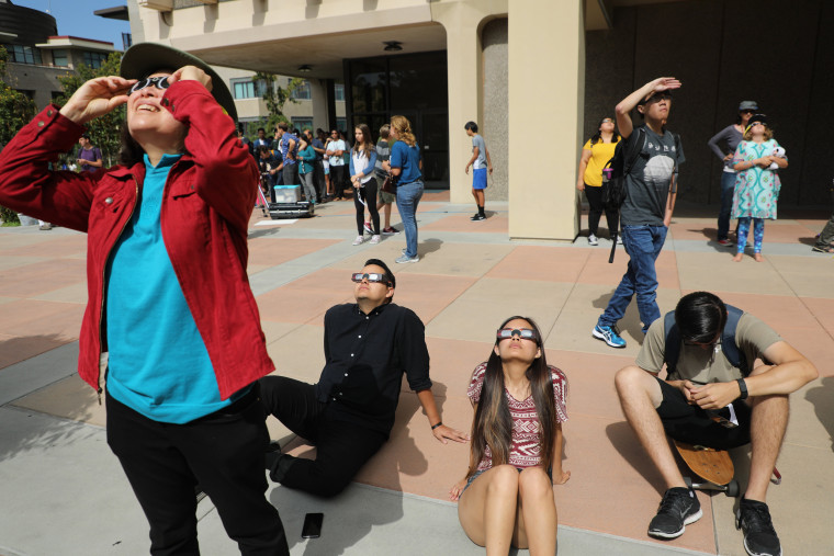 Image: Solar eclipse viewing party in Southern California