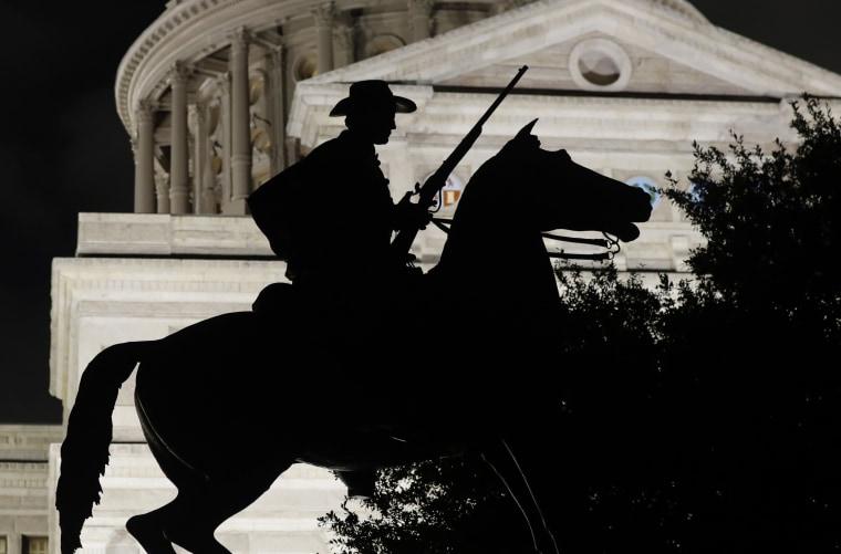 Image: Civil War Statue