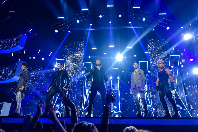 "The musical group CNCO won the ""Premios Tu Mundo"" vote for Best Musical Group, on 8/24/17."