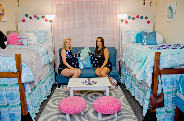 Unsurprisingly, Kira and Sierra's dorm room is a hang out spot for their new friends at Blinn College.