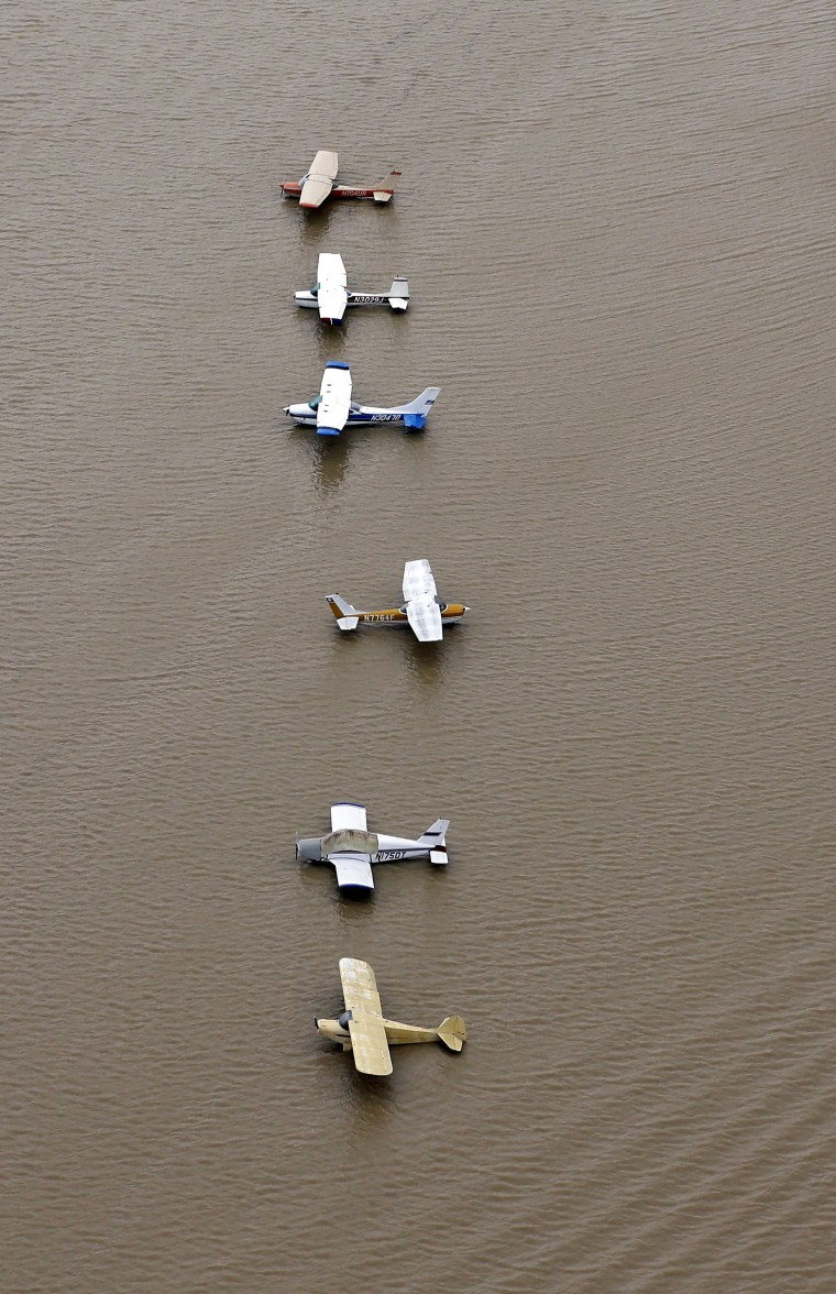 Image: Flooded planes