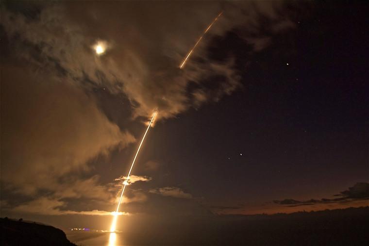 Image: Ballistic Test Missile off Hawaii