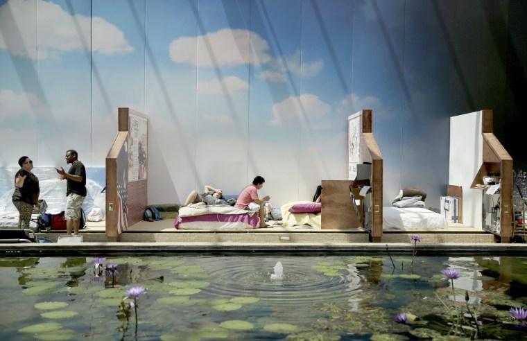 Image: Furniture Store Shelter