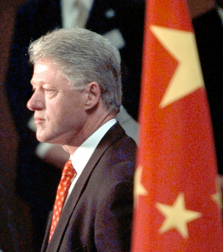Image: Bill Clinton in 1998