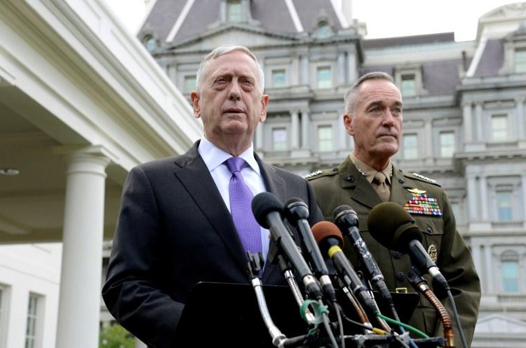 Image: Defense Secretary Mattis and General Dunford issue statement on North Korea in Washington
