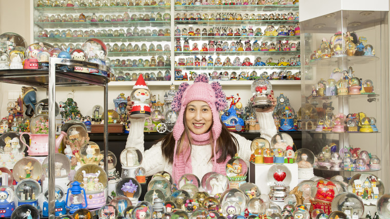 Wendy Suen - Largest Collection Of Snow Globes