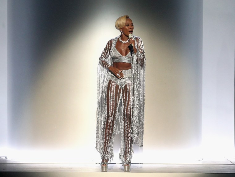 Image: Mary J. Blige -2017 BET Awards - Show