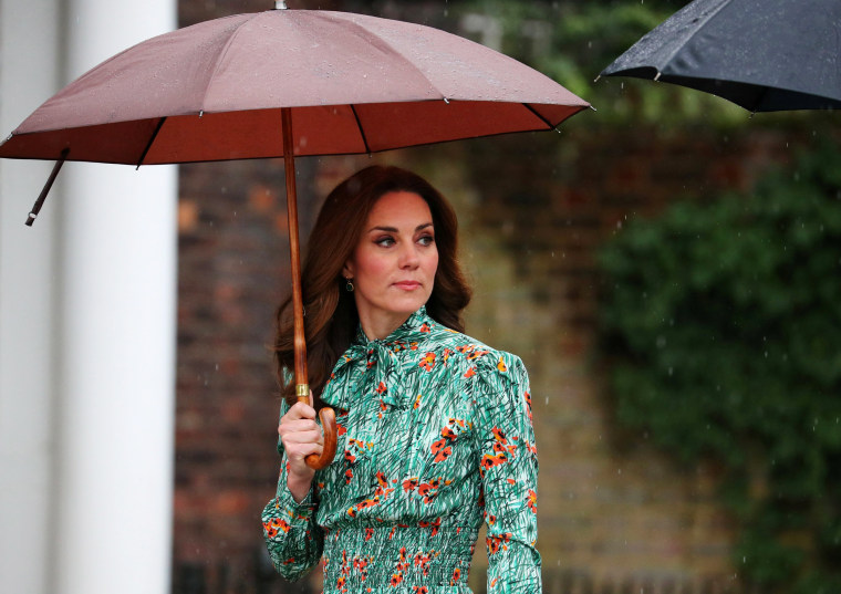 Image: Britain's Catherine, Duchess of Cambridge arrives for a visit to the White Garden