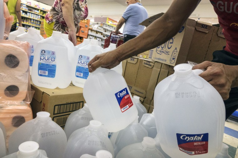 Image: Miami residents are buying water and supplies to be prepared for Hurricane Irma