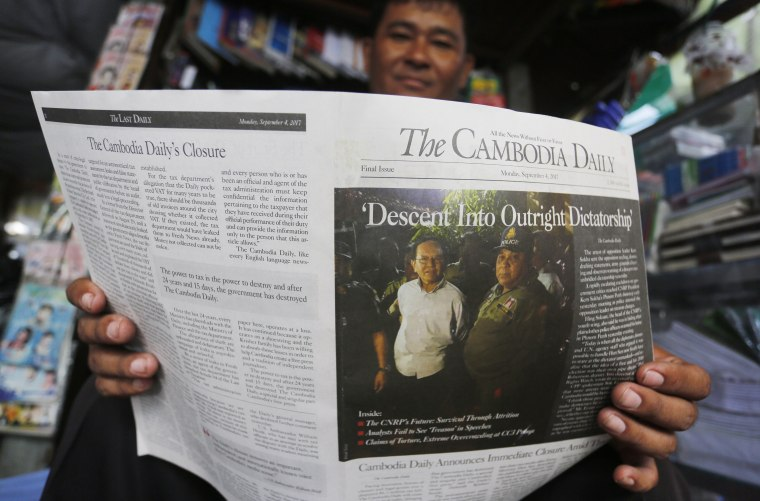Image: Government closes the Cambodia Daily Newspaper