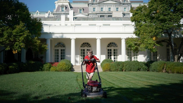 President Accepts Offer From  11-Year-Old Virginia Boy To Mow Lawn Of White House