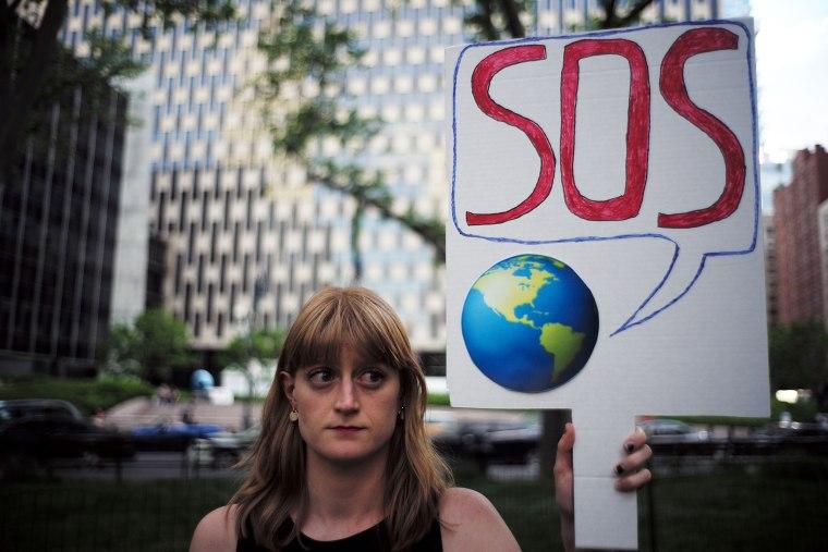 Image: Protest Trump Decision on Paris Accord
