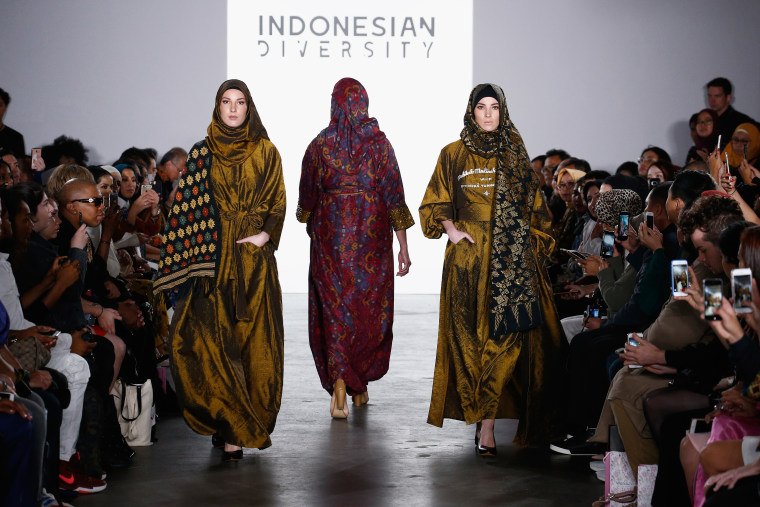 Indonesian Diversity - September 2017 - New York Fashion Week: First Stage - Runway