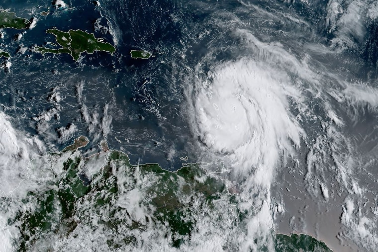 Image: CARIBBEAN-WEATHER-HURRICANE