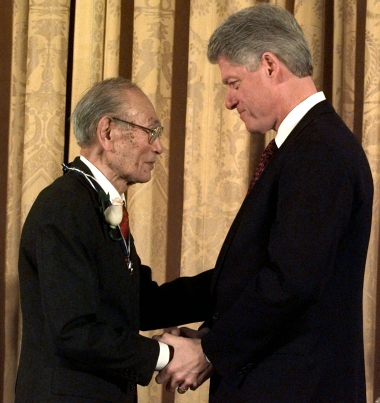 Bill Clinton, Fred Korematsu