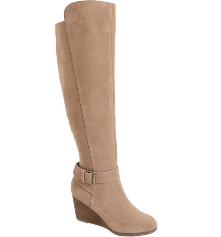 Wedge heeled boot in tan