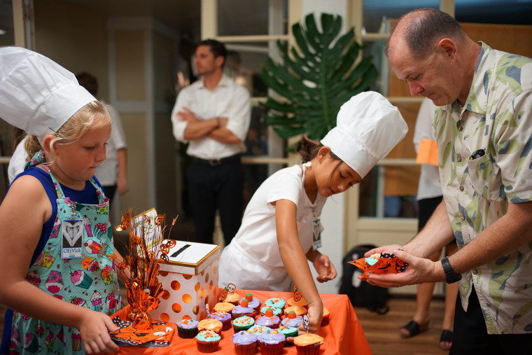 Kidz for a Cause volunteers host a bake to raise funds for the Kapiolani Medical Center's Neonatal Intensive Care Unit.