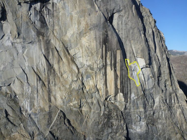 Image: East buttress of El Capitan with estimated rockfall drawn in.