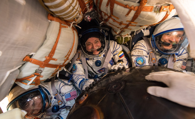 Expedition 52 Soyuz MS-04 Landing