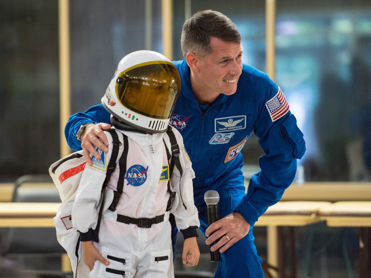 Image: Astronaut Shane Kimbrough at Arlington Career Center